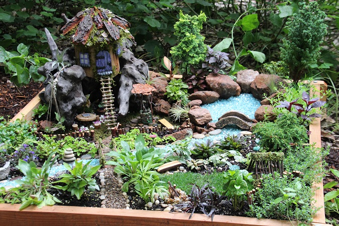 A lavish Faerie Home & Garden planted with living flora along the 2016 Woodland Faerie Trail