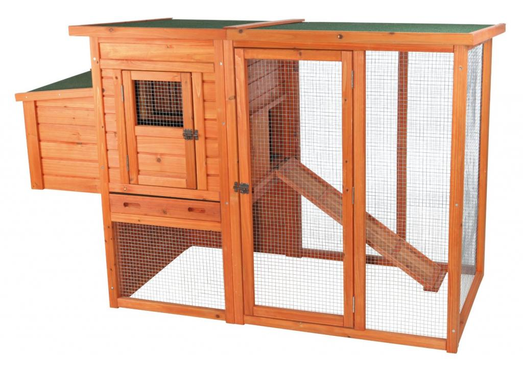 Stationary chicken coop with a run