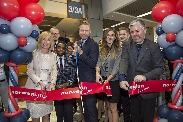 Ribbon cutting from Norwegian first flight from Austin, Texas to London
