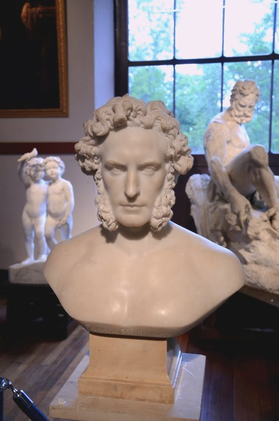portrait busts of Elisabet Ney's husband, Edmund Montgomery