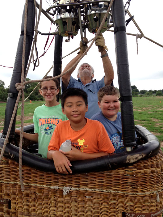 AN&SC summer campers in Hot air balloon