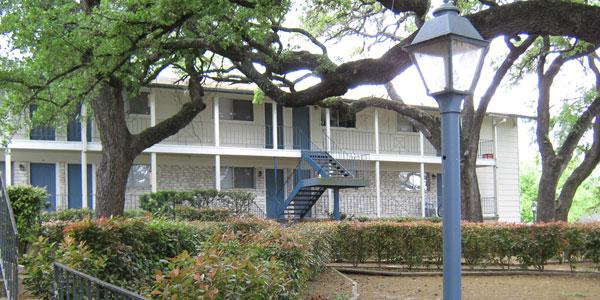 Treaty Oaks Apartments